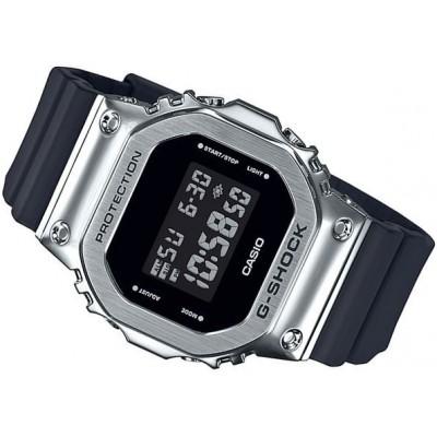 Zegarek CASIO GM-5600-1ER