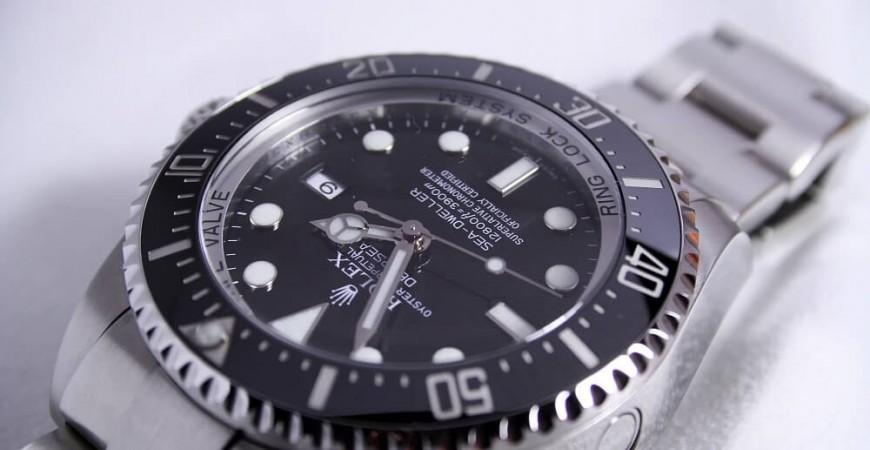 Jak ustawić zegarek? Poznaj praktyczne porady!