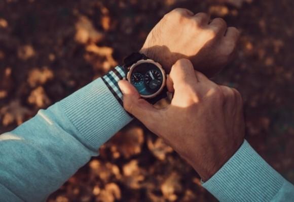 Na której ręce nosi się zegarek? Podpowiadamy!